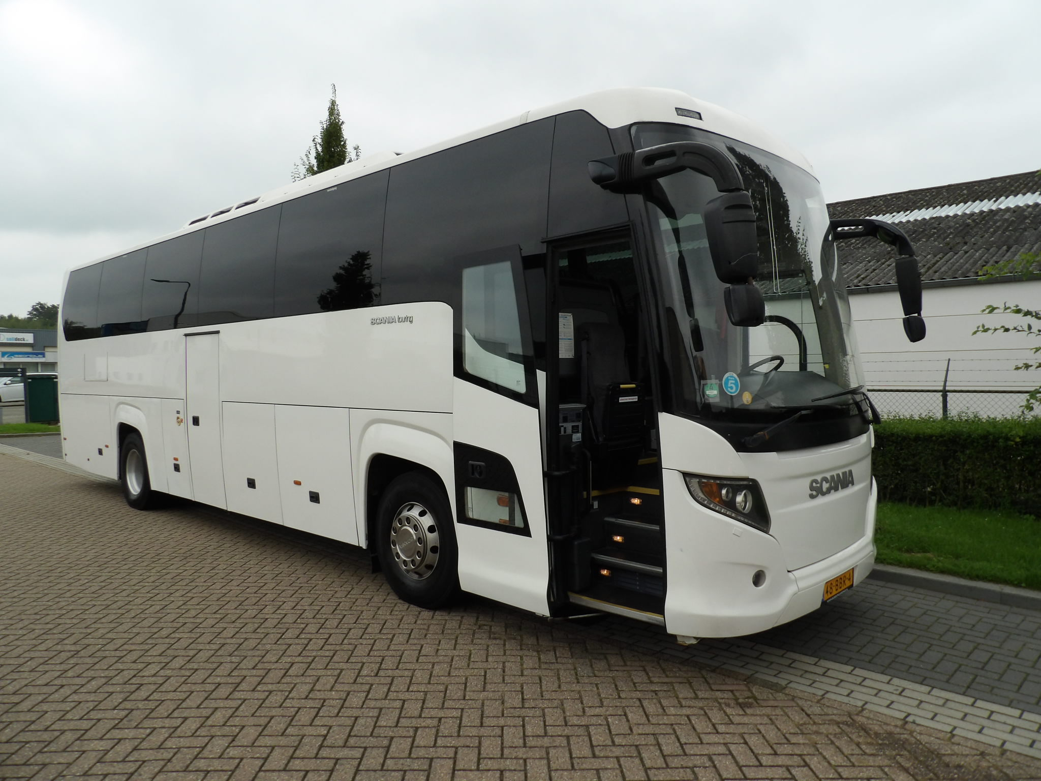 """Featured image for """"Scania Higher Touring HD, EURO 5"""""""